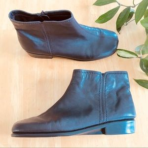 """Aerosoles Brown Leather """"Duble Trouble"""" Booties 9"""